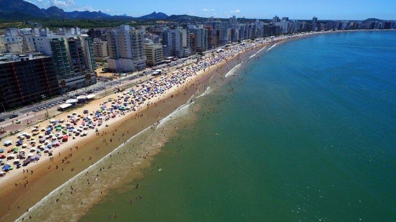 Apartamento bem localizado com Wi-Fi na Praia do Morro, location de vacances à Alfredo Chaves