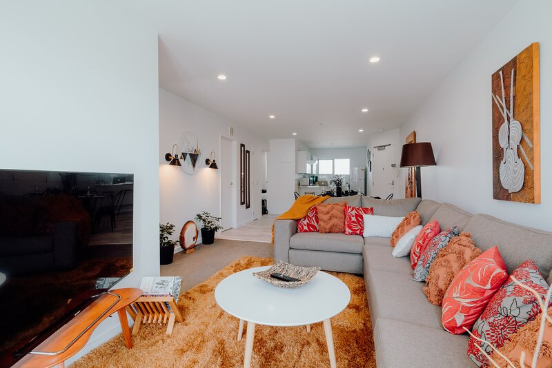 Large weekly and Monthly discount - ✨Amazing modern and bright 2 bedroom apt nea, vacation rental in Remuera