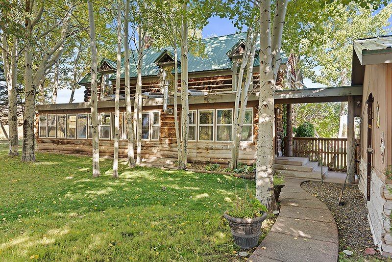 'Fishbrain Resort at Adam's Return' Resort & Event Grounds. Two Homes, Three, vacation rental in Redstone