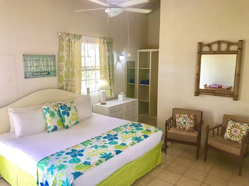 Villa Mia Studio 5 Near Miami Beach, location de vacances à Oistins