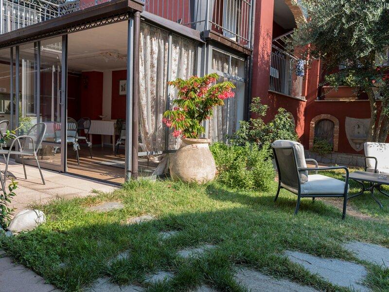 La goccia di vino (LMR113), vacation rental in Verduno