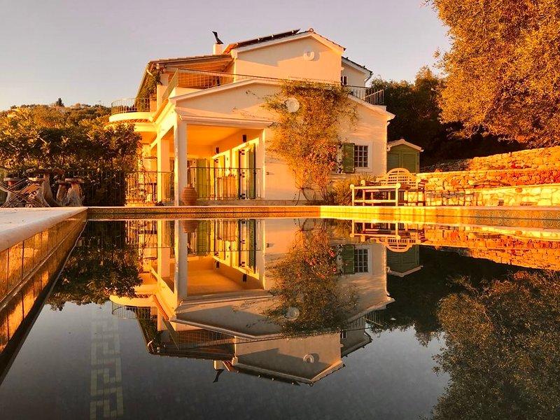 Luxury Private Villa, Heated Pool, walking dist. Kassiopi, Carbon Neutral Pledge, holiday rental in Kassiopi