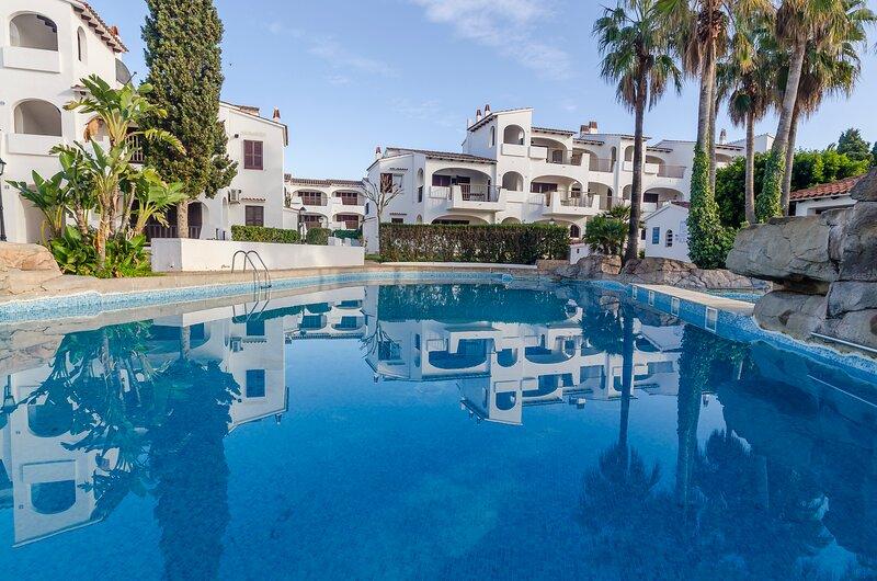 Apartamento con piscinas,toboganes,restaurante, bar  a 200mts de la playa, location de vacances à Son Vitamina