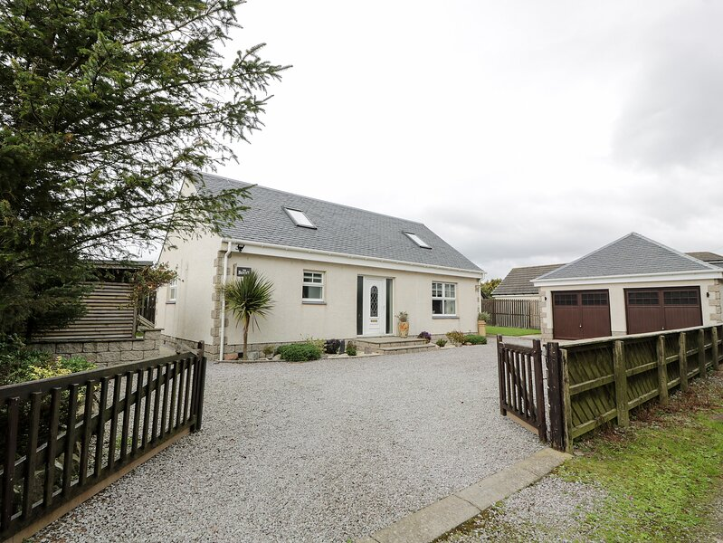 THE BOTHY, en-suite facilities, close to the coast, Sky TV, in Southerness, location de vacances à Kirkbean