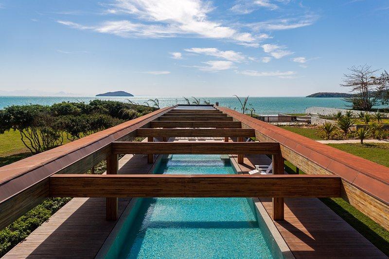 Luxurious Beach House in Buzios - BUZ010, holiday rental in Armacao dos Buzios