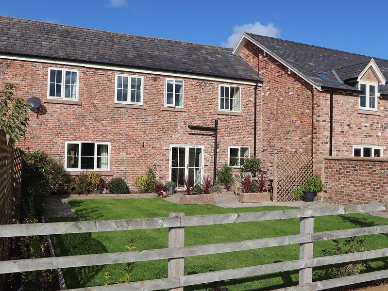 Hickhurst Barn, Tarporley, holiday rental in Oakmere