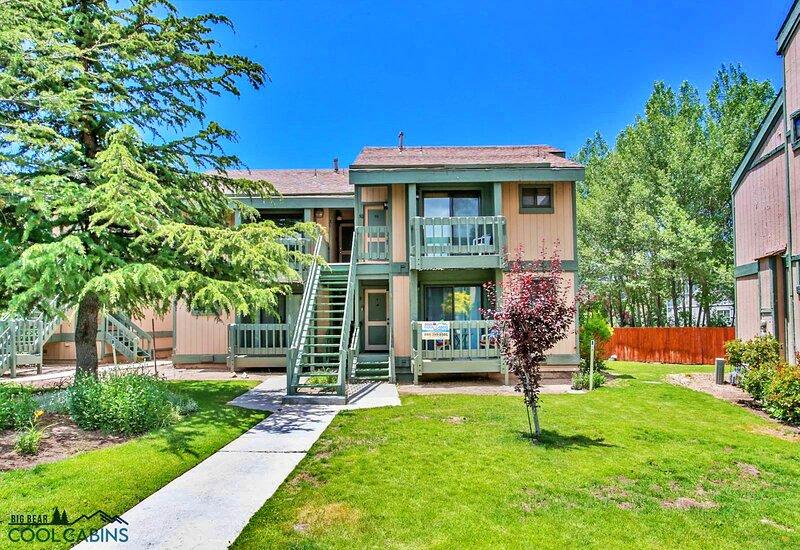 Affordable Lakeview Condo, alquiler de vacaciones en Angelus Oaks