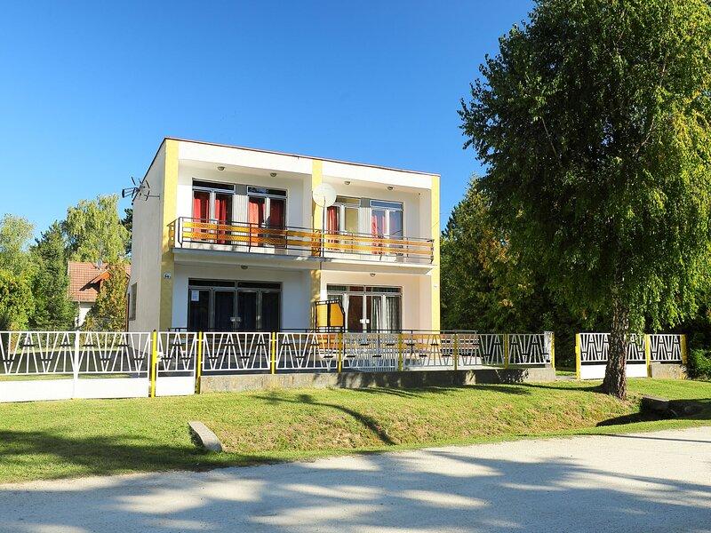 Cubic 2, holiday rental in Sagvar