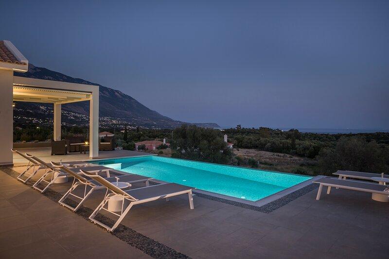 Trapezaki Sea View Villa with Pool, aluguéis de temporada em Trapezaki