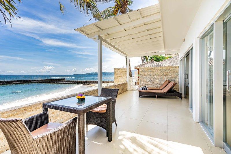 Villa Sea Spray Bali - Villa Cowrie 1 Bedroom Villa, holiday rental in Karangasem