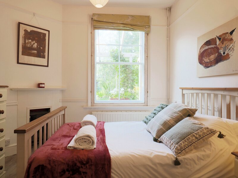 The Cabin - Cosy annex close to City Centre, holiday rental in Thanington