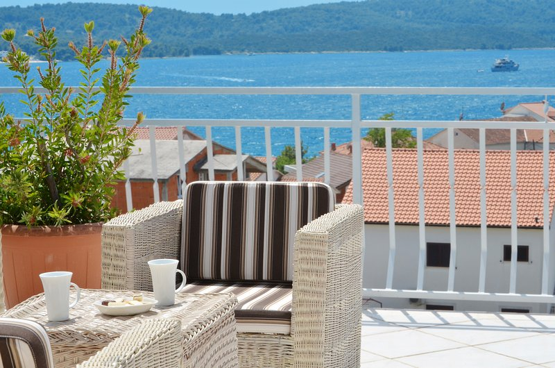 Apartment Decor, vacation rental in Okrug Gornji