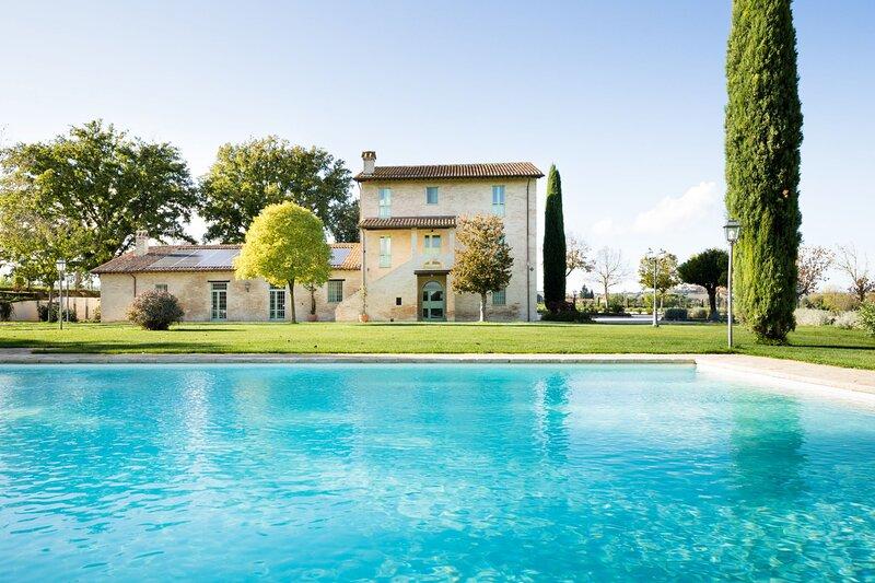 Villa Quattro Stagioni, vacation rental in Papiano