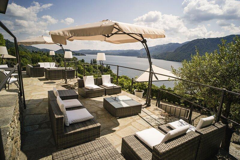 Villa Terrazza sul Lago, holiday rental in Pettenasco