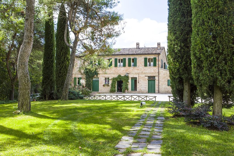 Villa Astreo, vacation rental in Bargni