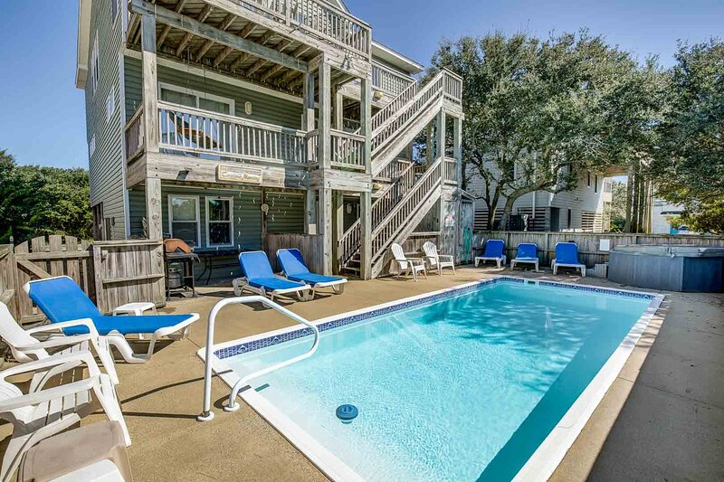 A DeWar's Dream | 820 ft from the Beach | Dog Friendly, Private Pool, Hot Tub |, holiday rental in Corolla