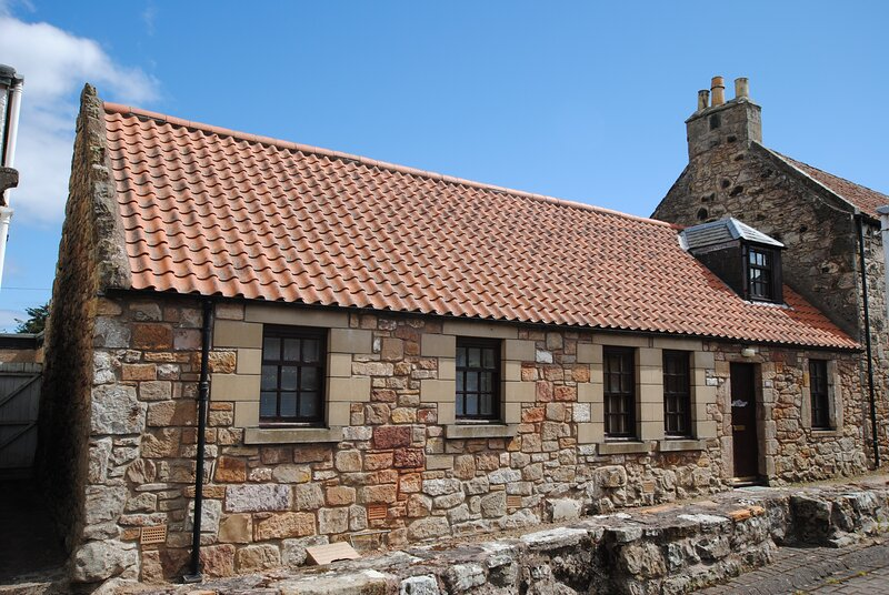 Thea Cottage- cosy home in quaint East Neuk village, holiday rental in Kilrenny