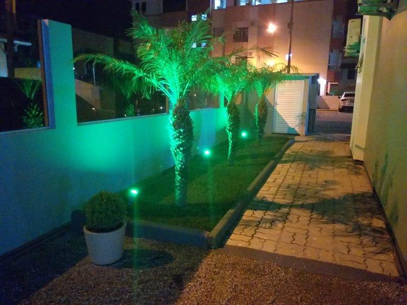 Apartamento para 4 pessoas, vacation rental in Santinho