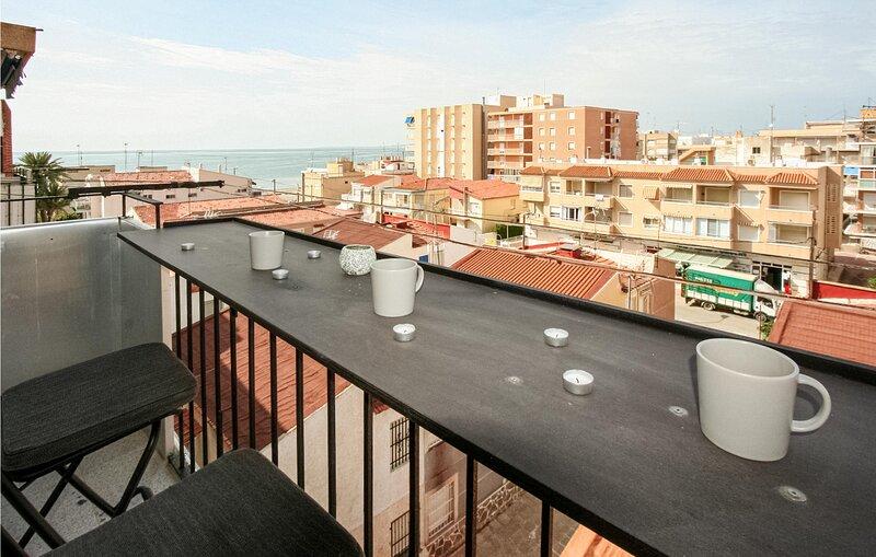 Nice apartment in Santa Pola with 3 Bedrooms (EBI336), location de vacances à Elche