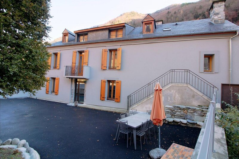 Amazing house with mountain view, vacation rental in Cauterets