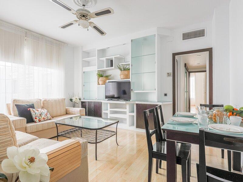 EXCLUSIVE APT 2 BR-BRIGHT ↑ ELEVATOR QUALITIES, holiday rental in Villanueva del Rio y Minas