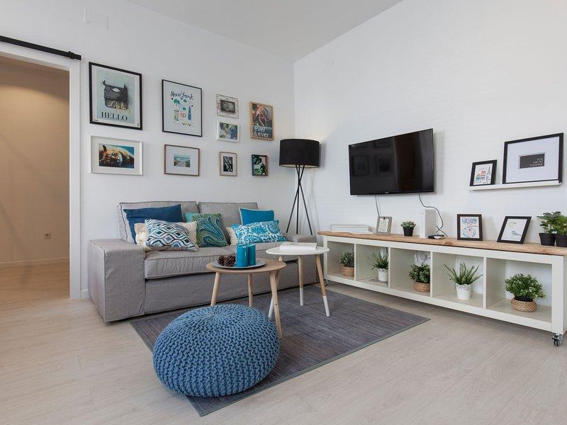 Beautiful Apt design 2 bed SEVILLA Wifi-Full_4 Pax, holiday rental in Los Palacios y Villafranca