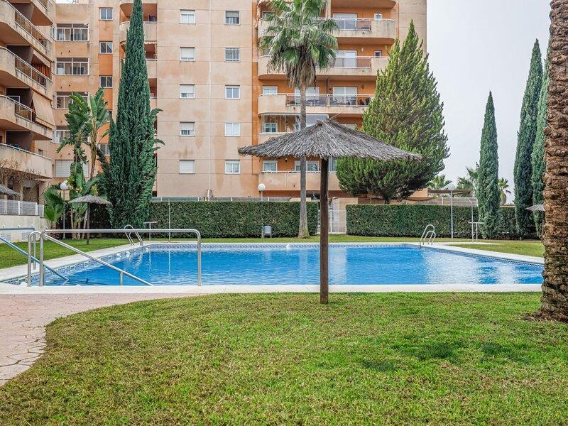 Sensational Apt 2 Bed 2 baths 4 pax Aljarafe Metro, holiday rental in Los Palacios y Villafranca