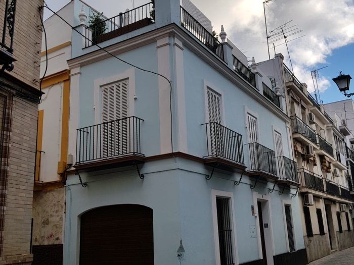 Complete house 3 floors- Oasis of peace with Terrace, location de vacances à Almaden de la Plata