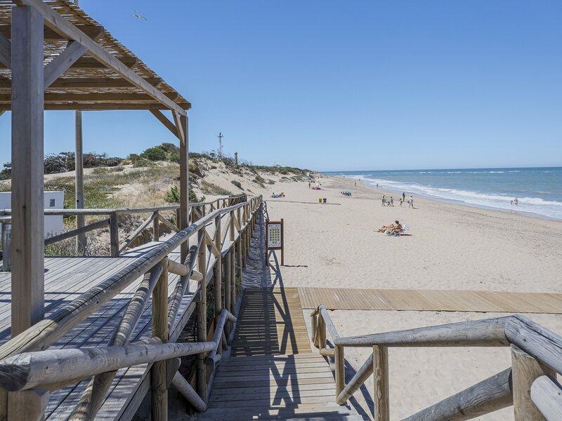 Fantastic apartment in Rota 3 bedrooms 2 bathrooms 300 meters from the beach – semesterbostad i Rota