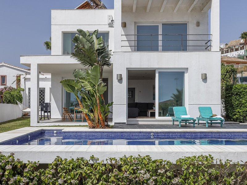 Design villa in front of the sea-oasis of peace 8px, Ferienwohnung in Westside