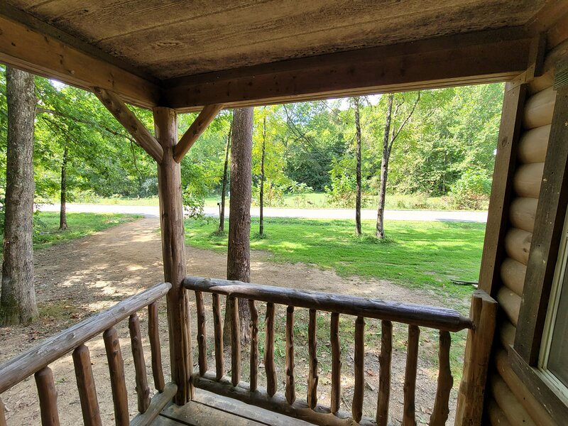 Lazy Meadow Cozy Cabin, aluguéis de temporada em Starr