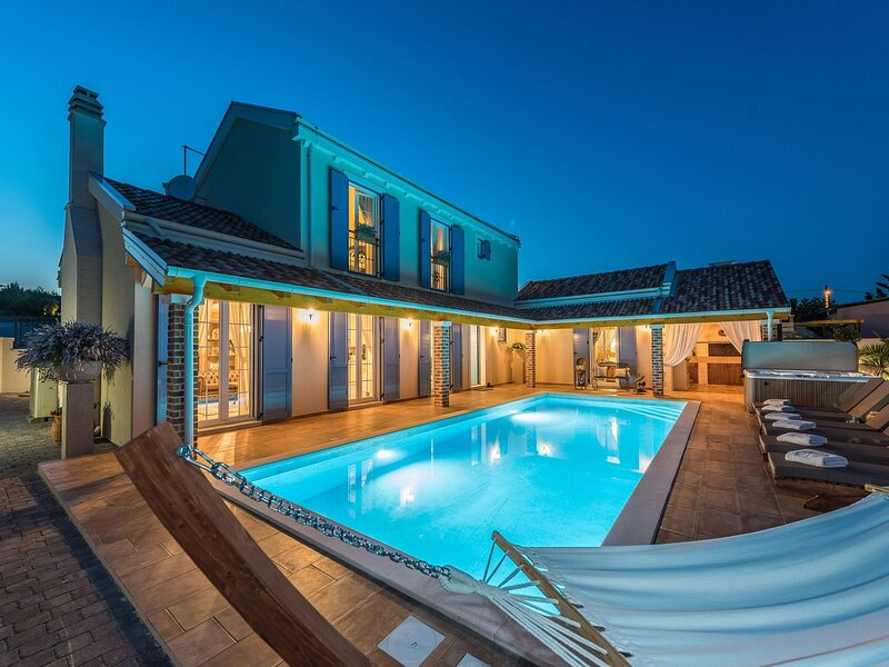 Poolincluded Villa Katarina, casa vacanza a Pridraga