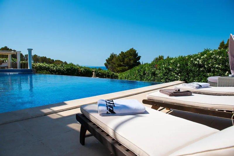 Villa - 4 Bedrooms with Pool, WiFi and Sea views - 108682, location de vacances à Nuestra Senora de Jesus