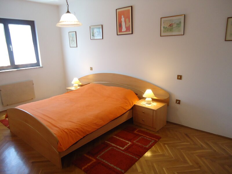 Apartment Gioia, holiday rental in Crveni Vrh
