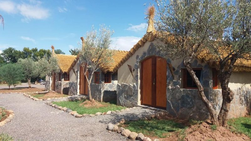 Private Room and Bb - Enchanting estate with swimming pool and jacuzzi, holiday rental in Lagouassem
