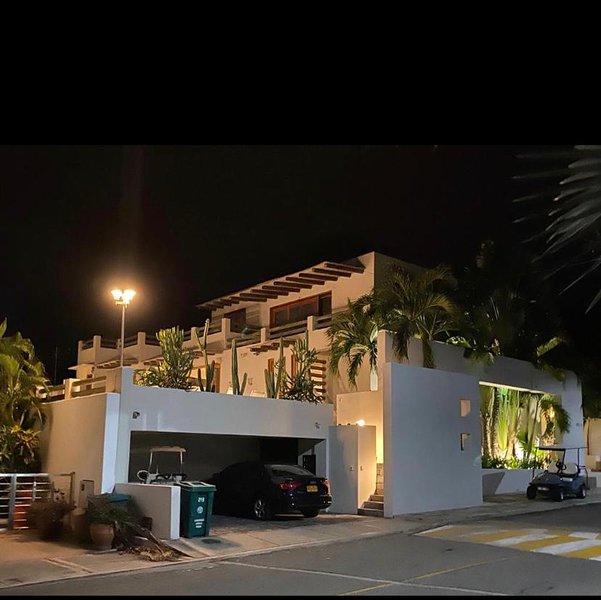 Hermosa Casa dentro del Condominio Campestre el Peñon, holiday rental in Tocaima