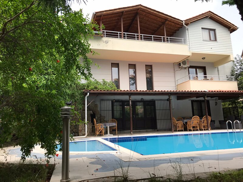 KEMER HOLIDAY VILLAS, vacation rental in Goynuk