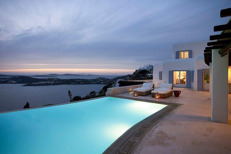 Mykonos Villa Sleeps 10 with Pool and Air Con - 5863840, holiday rental in Agios Sostis