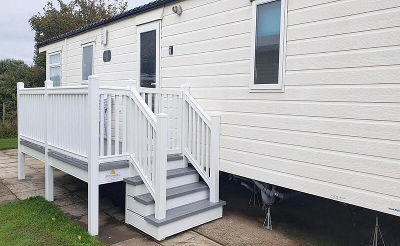 Brilliant 6 berth caravan for hire with decking at Skipsea Sands ref 41291NF, holiday rental in Barmston