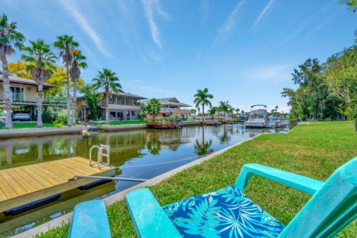 NEW LISTING - 'Drift away' to Old Florida & watch your worries disappear, holiday rental in Aripeka