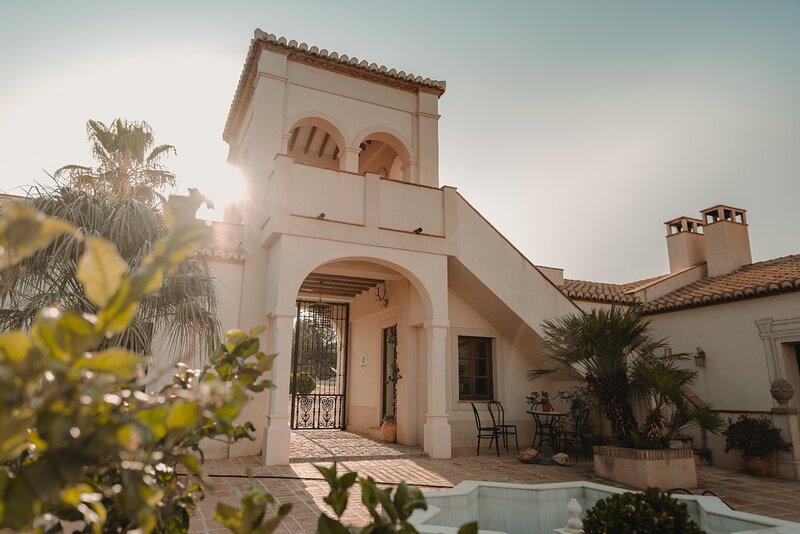 Private Luxury Andalusian Villa La Esperanza, holiday rental in Restabal