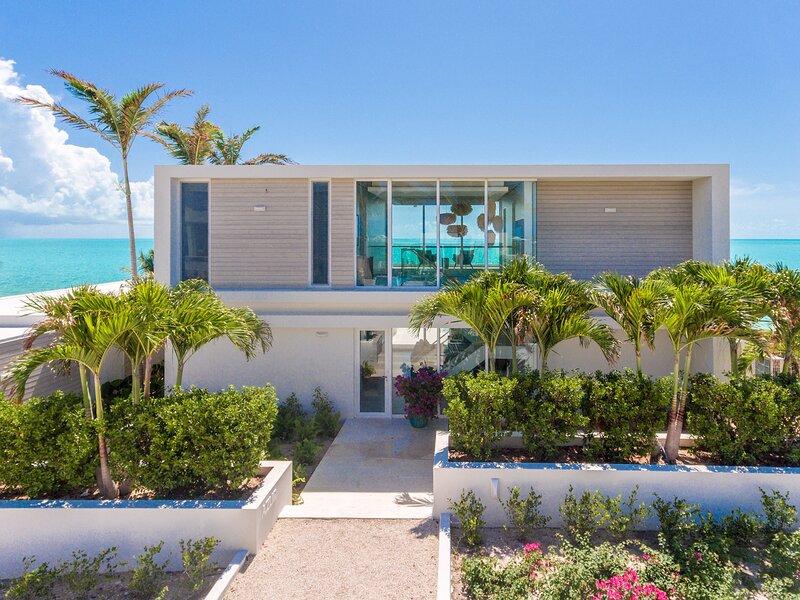 Ocean Dream 5 BR Azur, holiday rental in Long Bay Beach