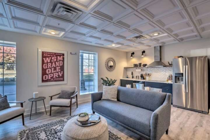 Union One ~ This Listing Combines Two Adjoining 3 BR Condos ~ Downtown Nashville, vacation rental in Nashville