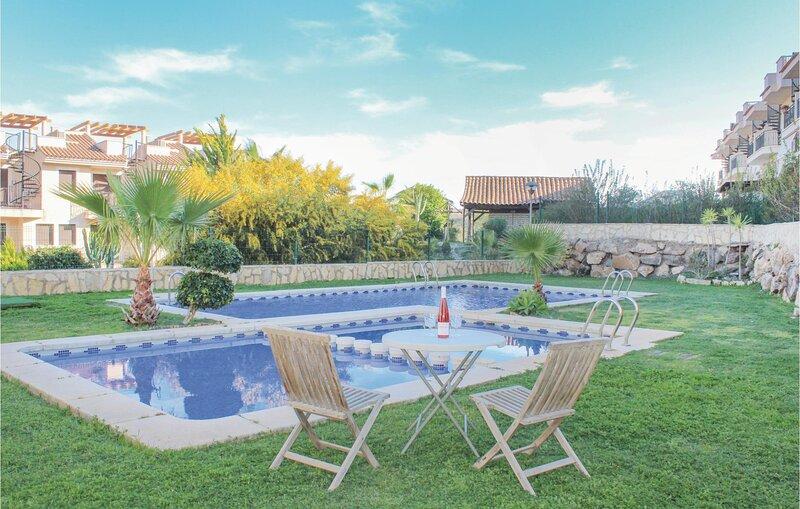 Beautiful home in Águilas with 2 Bedrooms (ECC656), alquiler vacacional en Calabardina