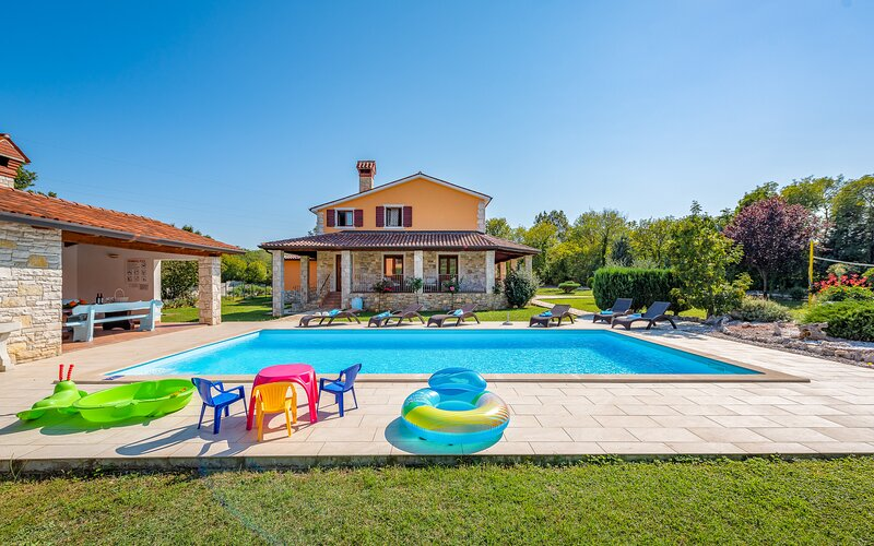 Villa VILA BACIO, location de vacances à Strmac