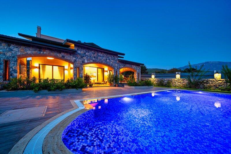 3 Bedroom Luxury Villa -Villa Dream – semesterbostad i Kayakoy