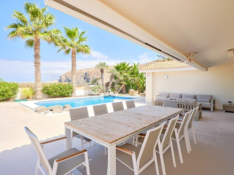 Villa Standing Palm Mar With Heated Pool, location de vacances à Palm-Mar