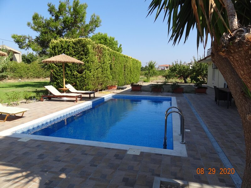 The 3Pines- Apartment A, holiday rental in Ialysos