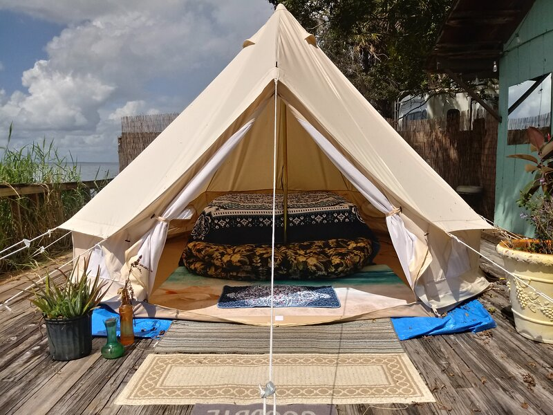 Romantic Waterfront Glamping Tent for Couples, holiday rental in Pierson
