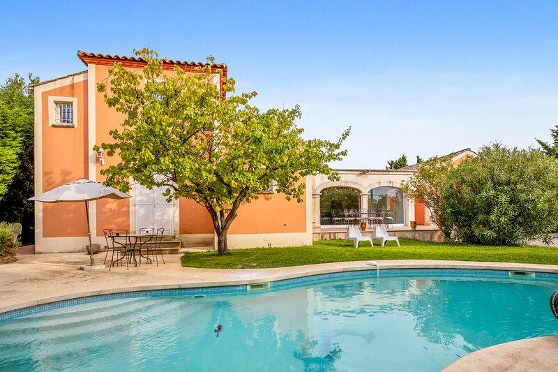 Amazing villa with swimming-pool, alquiler vacacional en Cournonterral